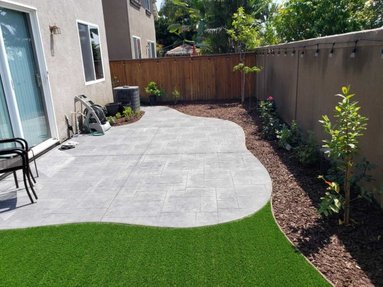 Artificial Turf low water design and concrete patio