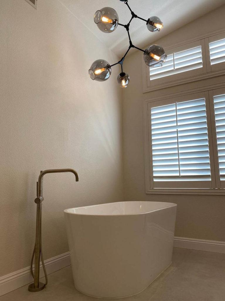 Standing Tub Geometric Pendant Lighting